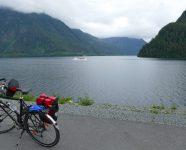 Fahrrad auf Küstenweg, Alaska