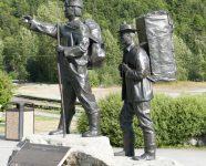 Statue Skookum Jim und Tagish Charlie, Skagway